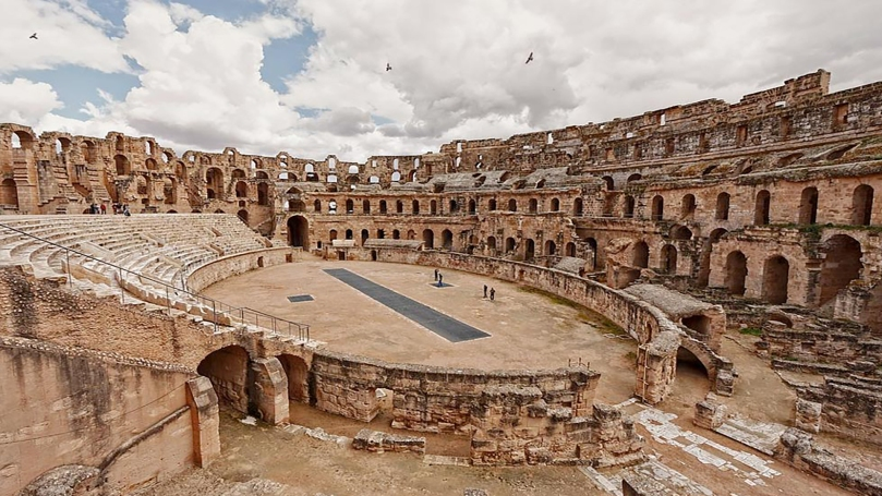 image 6 - Amphitheatre of El Djem.jpg